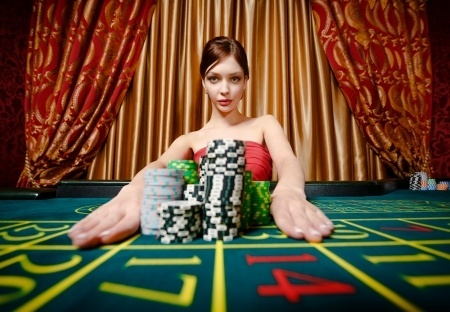 Big winner at roulette table using strategy