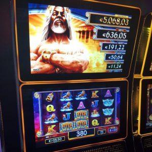 variance of slot explained
