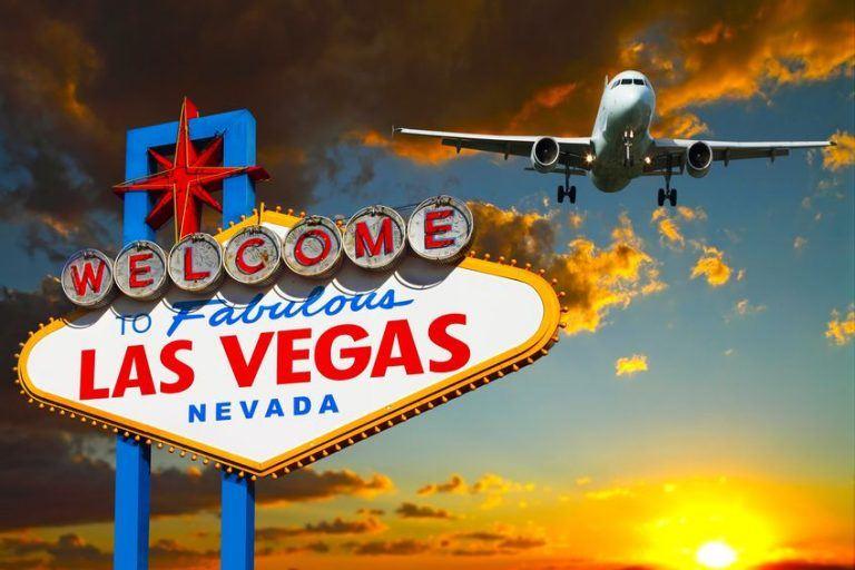 airplain-land-in-vegas-768x512-top5-must-do-Las-Vegas