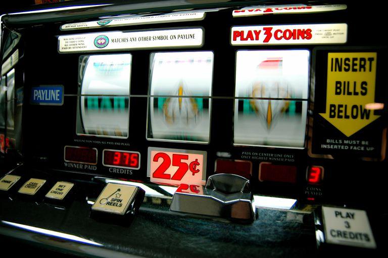 is online gambling better than landbased