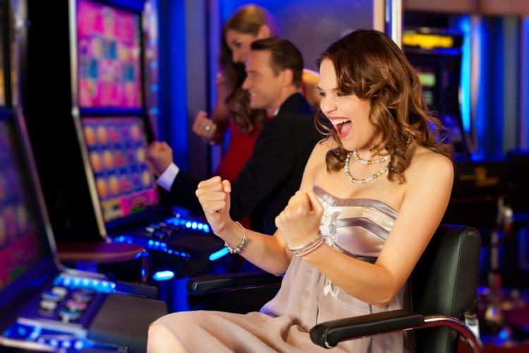 how-can-online-casino-players-can-improve-5-Juichende-brunette-superstition