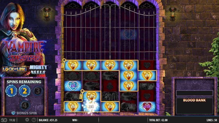 Vampire desire lock it link slot bonus feature