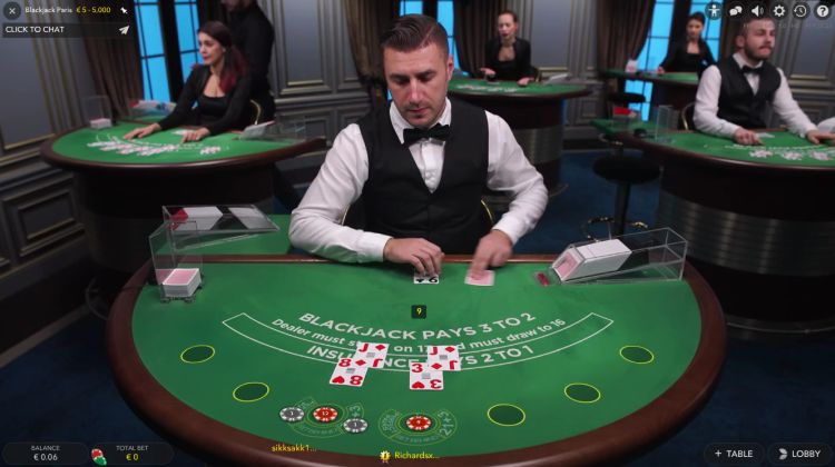 ways-to-cheat-at-the-casino-LIve-Blackjack-Evolution-Gaming
